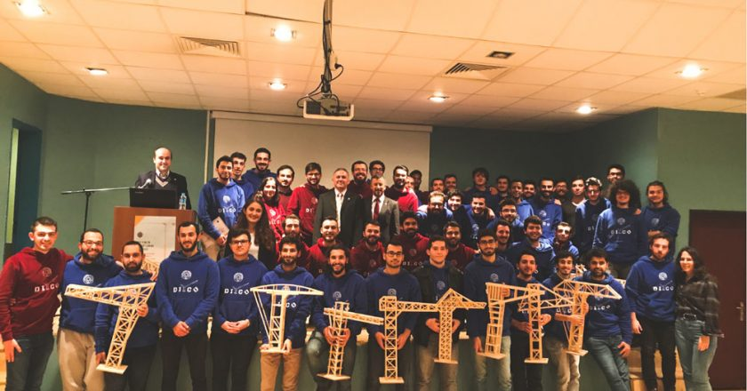 Turkish model crane building competition