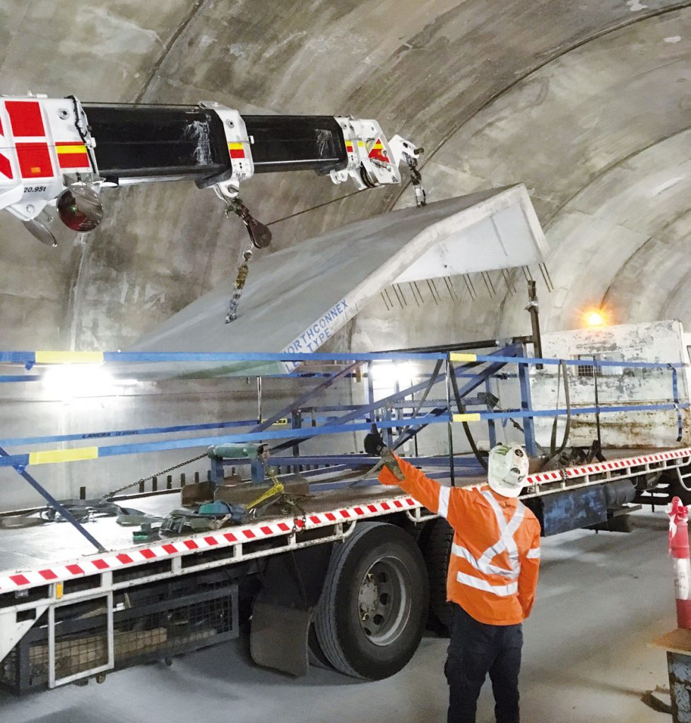 Cranes and Lifting talks to Gillespie Cranes and Edwards Heavy Lift Engineering about their work on a major Sydney infrastructure project and the innovation that won them a top industy award.