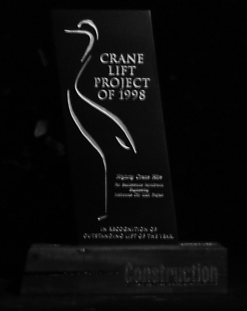 CAL contributor Stuart Edwards takes readers on a fun exercise, to look at how to best rig theoriginal trophy distributed at the first Crane Industry Council of Australia National Conferencein1998.