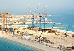 Nurol Construction has taken delivery of four new luffing jib cranes to work on the Beach Vista luxury development in Dubai, United Arab Emirates.