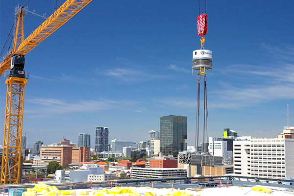 Construction company Multiplex has deployed a new automated lifting device to improve safety on the New Museum for WA site.