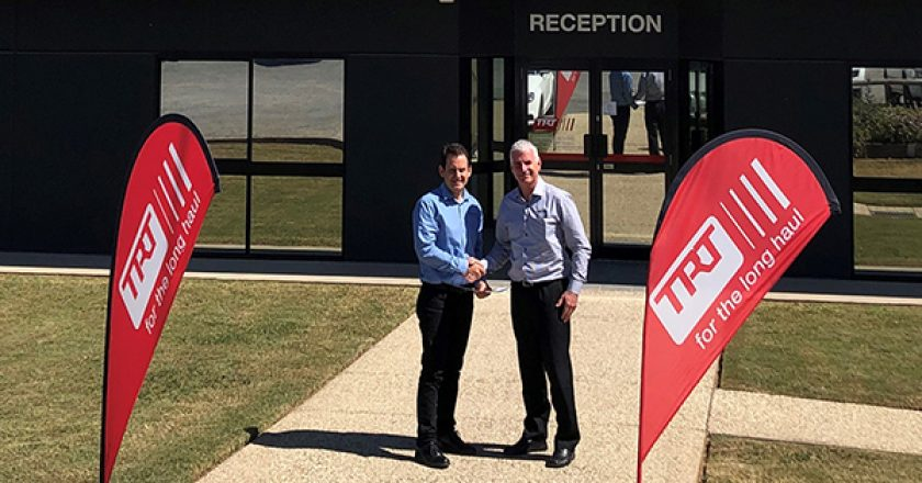 Manitowoc Cranes has renewed its distribution deal with TRT Australia, extending the agreement with a new long-term deal that includes Manitowoc and Grove cranes.