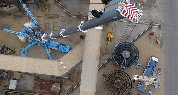 MAX Cranes' 1200 tonne Liebherr LTM11200-9.1 was engaged to assist UGL to change out the B3 air rotor at AGL's Torrens Island Power Station. Tight access, low clearance and a confined set up area was not an issue forthe 1200.