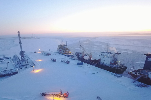 A contractor has been selected to unload, transport and install more than half a million tonnes worth of equipment on the Arctic LNG 2 project.