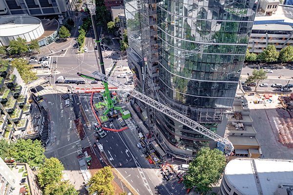 Boom Logistics received delivery of its new Liebherr LTM1750-9.1, a 750t capacity crane, to complete this lift in Melbourne's CBD. It's the largest capacity crane seen on Melbourne's streets.