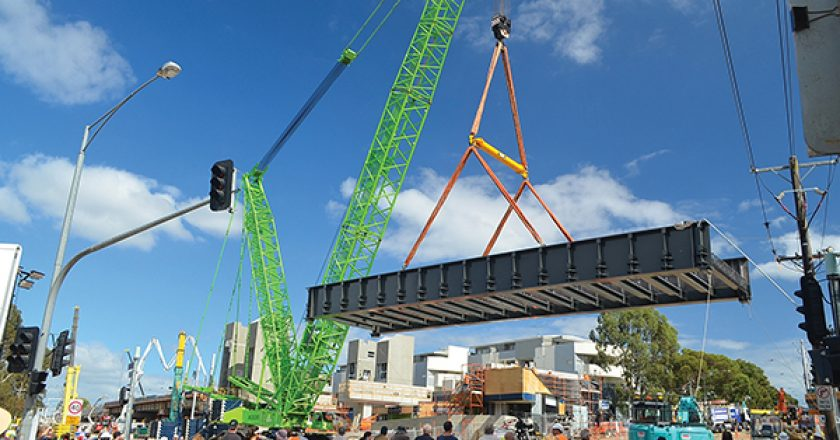 Ten years ago, Ross Johnson and a group of investors saw a niche in the Victorian lifting and rigging equipment section. Today, Dynamic Rigging Hire is Melbourne's leading name in lifting and rigging equipment rental. Cranes and Lifting explains.