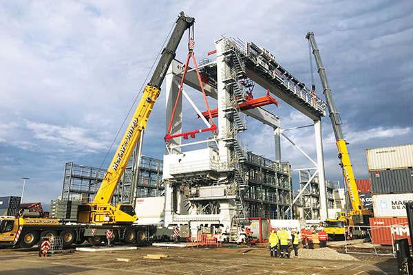 """Leading Melbourne crane hire business McKay United, recently completed the company's largest """"all Grove"""" dual-lift utilising Grove all terrains. Cranes and Lifting finds out more."""