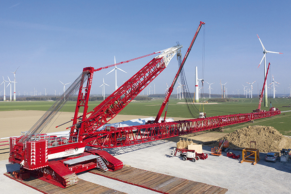 The first 10 units of this highly flexible, 800t capacity crawler crane, which can be modified for lots of different industry sectors, have been delivered to business partners in Spain, the US and Asia.