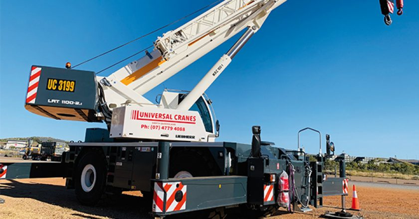 The North Queensland business of Universal Cranes recently took delivery of a new, Liebherr 100t LRT 1100-2.1 rough terrain for a customer in the mining sector.