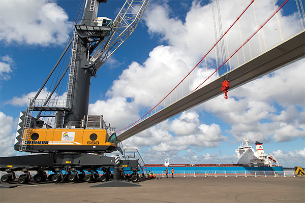 Maputo Port upgrades capacity with two new mobile cranes